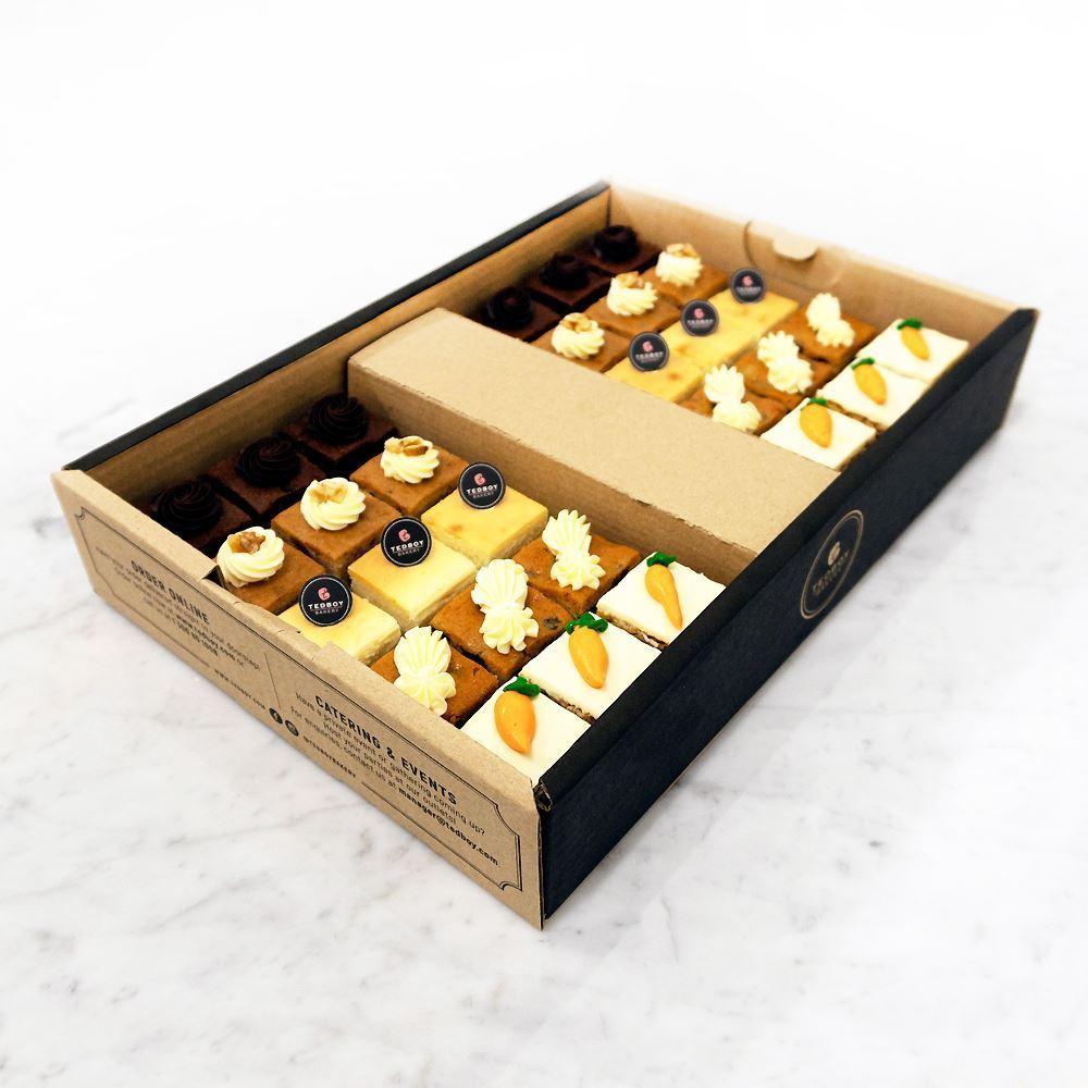 Mini Cakes Catering Box