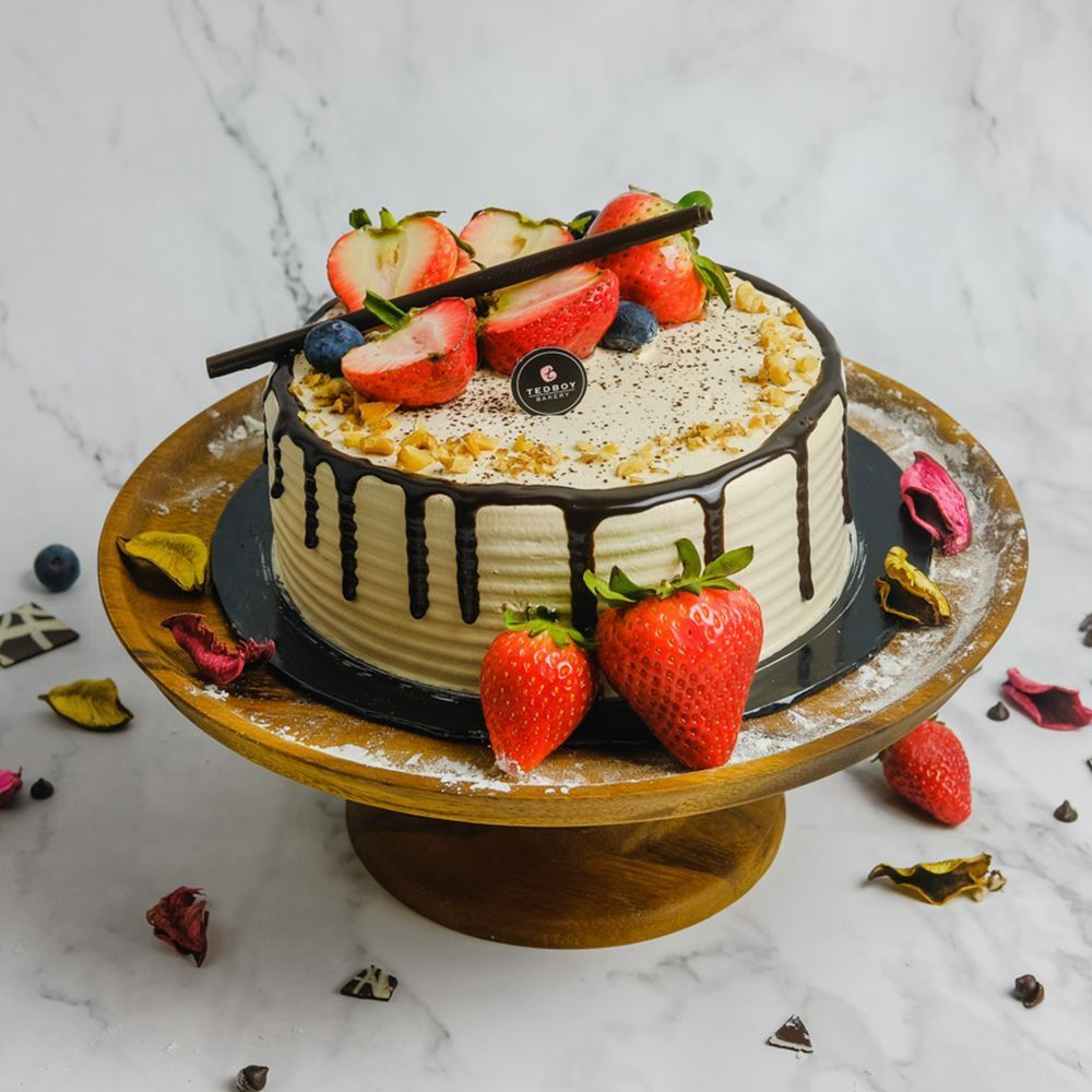 Cappuccino Mousse Cake (Whole)