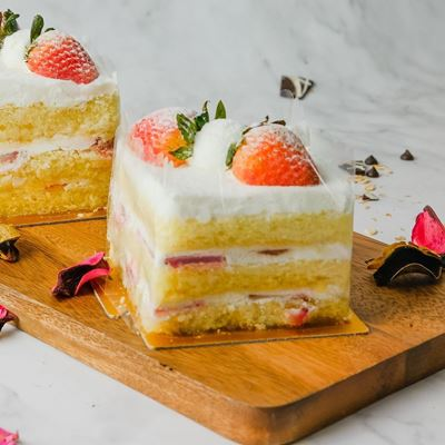 Picture of Strawberry Shortcake (Slice)