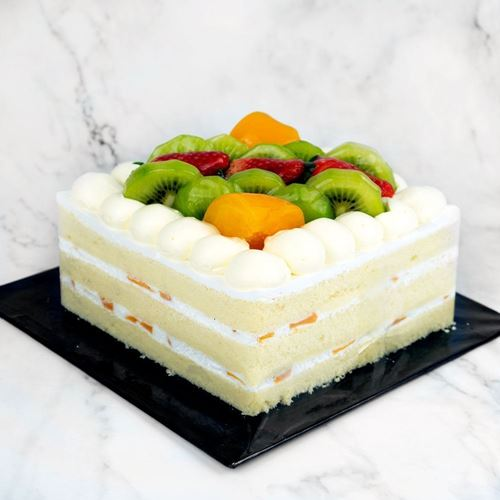 Picture of Chantilly Fresh Fruit Cake (Whole)