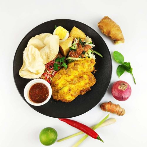Picture of Nasi Hujan Panas with Baked Spiced Fish SET