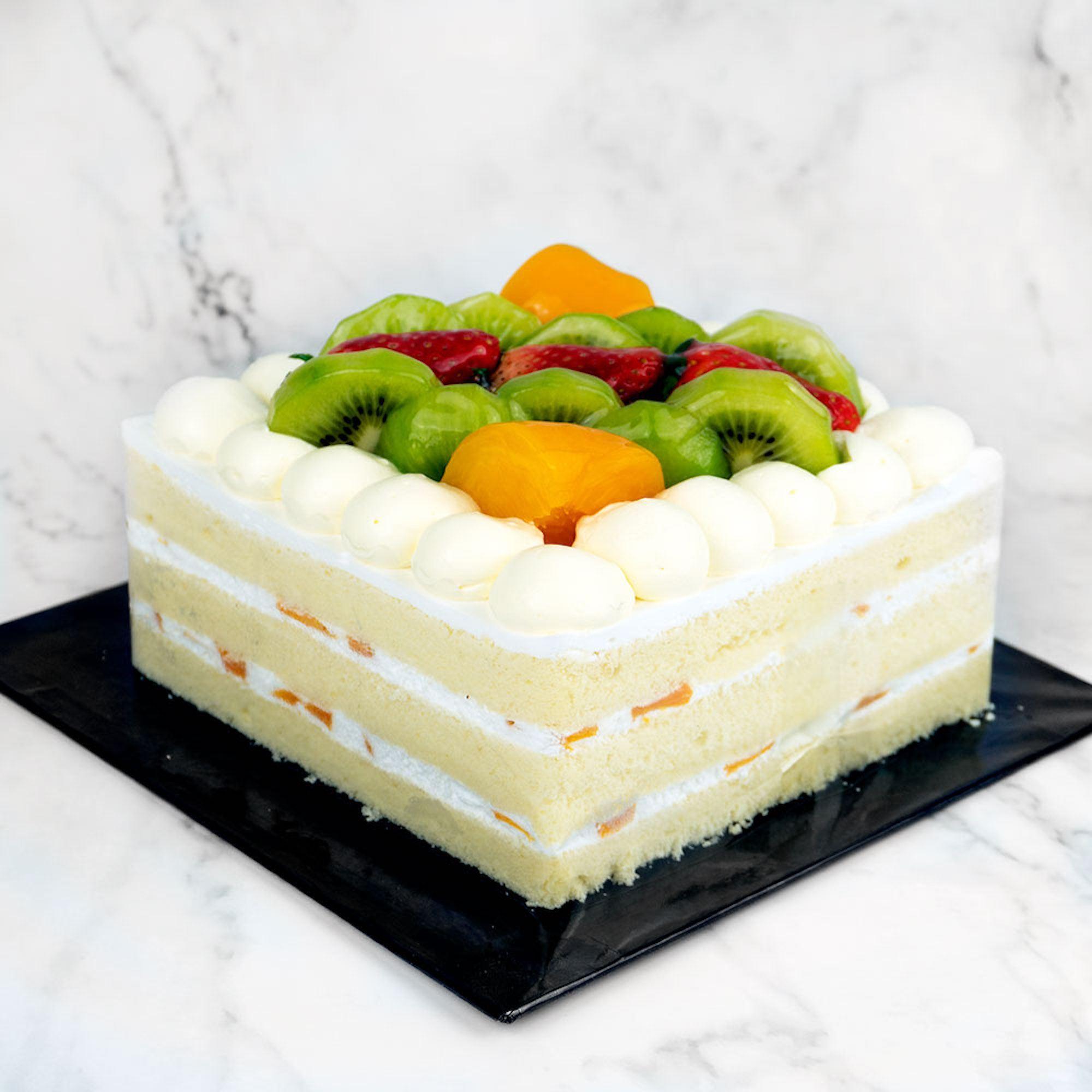 Chantilly Fresh Fruit Cake (Whole)
