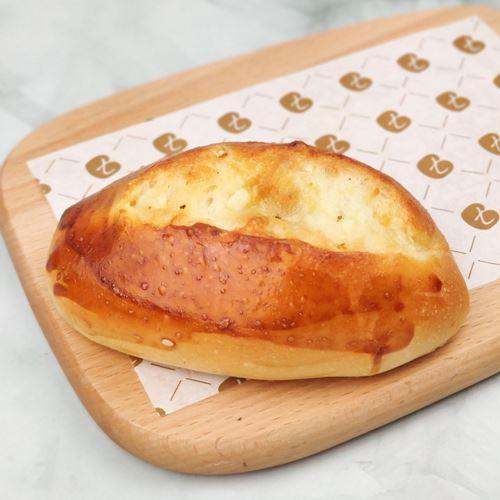 Picture of Garlic Butter Bun