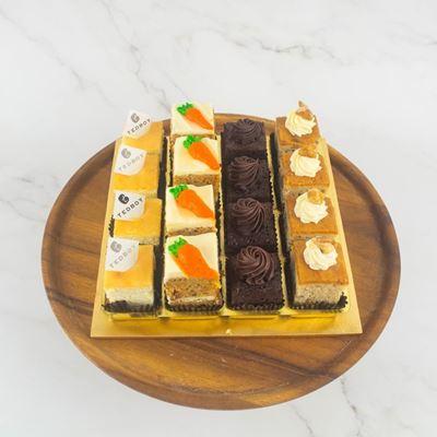 Picture of Mini Cakes (16pcs/tray)