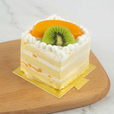 Picture of Chantilly Fresh Fruit Cake (Slice)